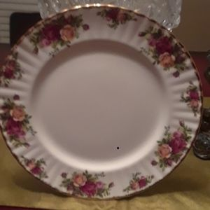 Royal Albert Old Country Rose  8 dinner Plates